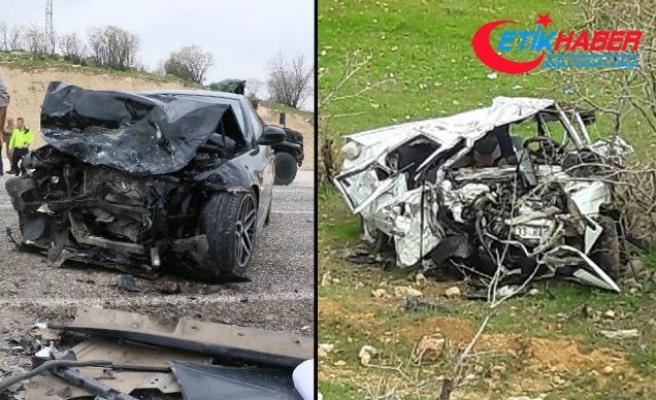 Diyarbakır'da otomobiller çarpıştı: 5 ölü, 4 yaralı
