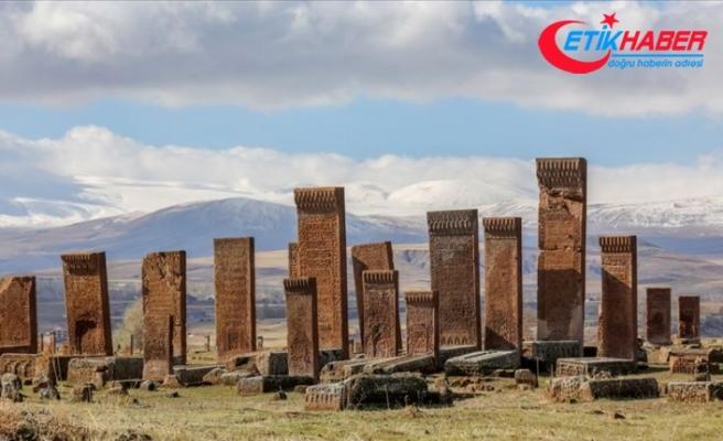 Dünyanın en büyük Türk İslam mezarlığı yeşille bütünleşecek