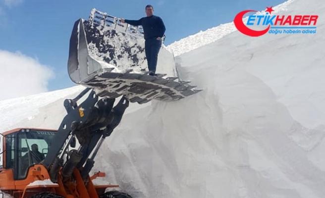 Erzurum'da 2 bin 890 metrede 10 metrelik karla mücadele