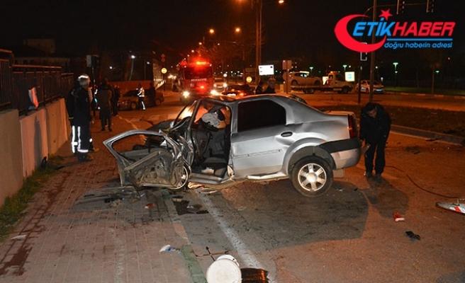 Gençlerin otomobil gezintisi ölümle sonuçlandı: 1 ölü, 2 ağır yaralı