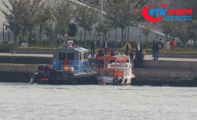 Haliç'te düşen kişiyi deniz polisi kurtardı