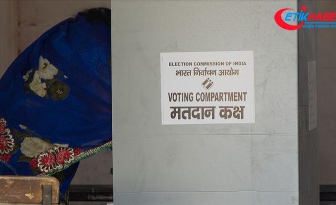 Hindistan parlamento seçimleri için sandık başında