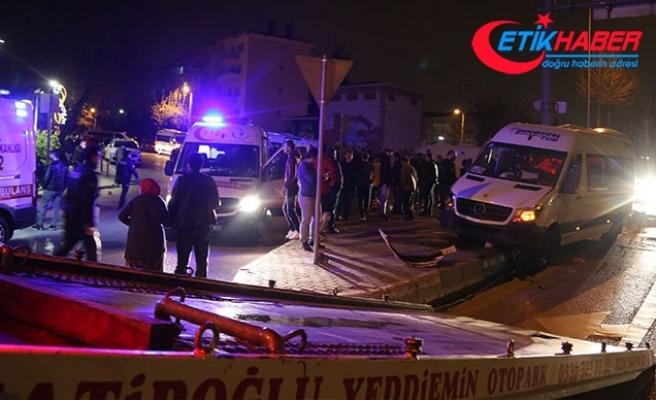 İşçi servis minibüsü kaza yaptı: 14 yaralı