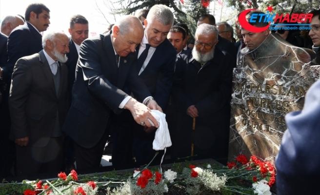 MHP Lideri Bahçeli: Başbuğ'umuz Alparslan Türkeş Bey'in kalplerimizdeki yeri, gönlümüzdeki zirvesi hiç değişmeyecek