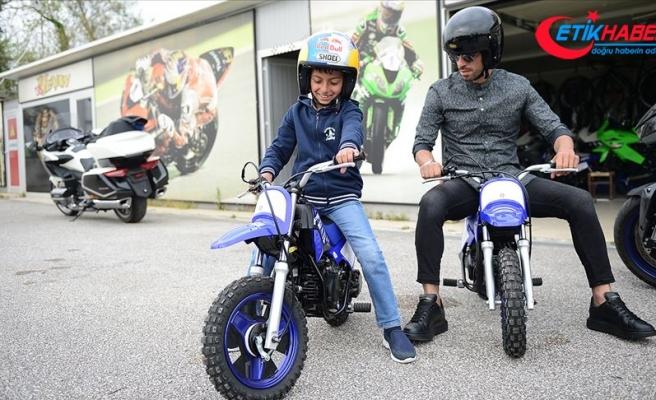 Minik Yahya'nın motosiklet hayalini Sofuoğlu gerçekleştirdi