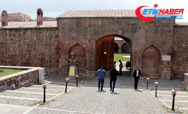Osmanlı'dan kalan kervansaray, mimarisiyle ilgi görüyor