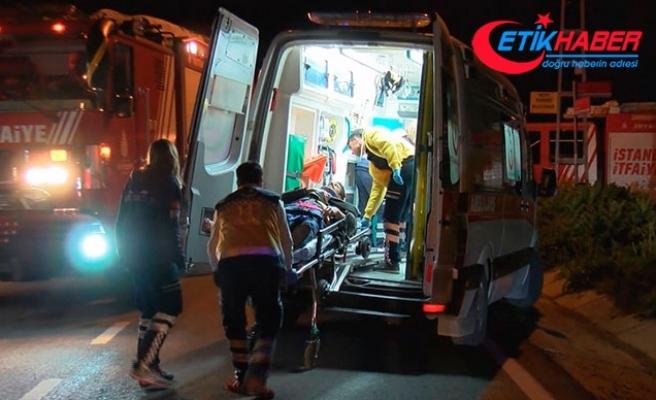 Pendik'te iki otomobil kafa kafaya çarpıştı: 6 yaralı