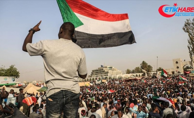 Sudan'daki gösterilerin 4 aylık bilançosu: 53 ölü, 734 yaralı