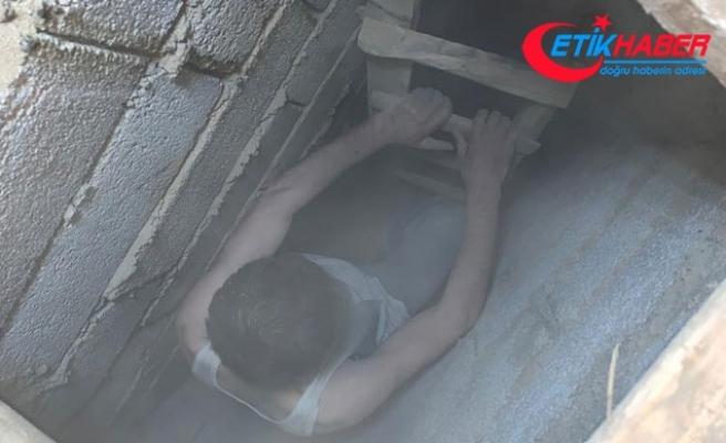 Van'daki depremde cezaevinden firar etti, evindeki gizli bölmede yakalandı