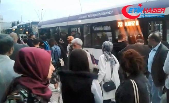 Yangın tüpü açılan halk otobüsünde panik anları