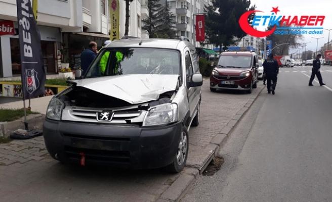 Yaya geçidinde araç çarpan babaanne öldü, torunu ağır yaralı