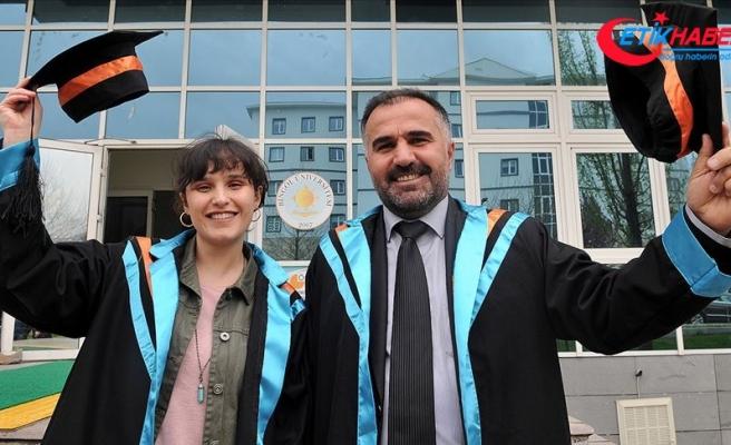 Baba 47 kızı 22 yaşında aynı üniversiteden mezun oldu