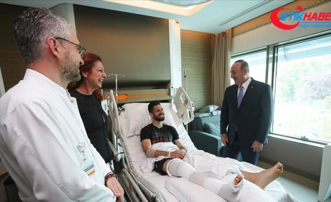 Dışişleri Bakanı Çavuşoğlu'ndan Emre Akbaba'ya ziyaret