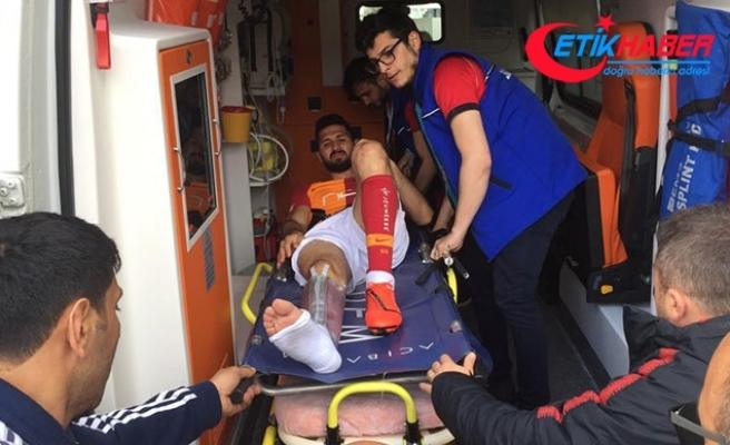 Emre Akbaba hastaneye kaldırıldı