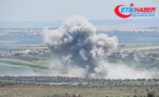 İdlib gece gündüz bombalanıyor, siviller Türkiye sınırına göç ediyor