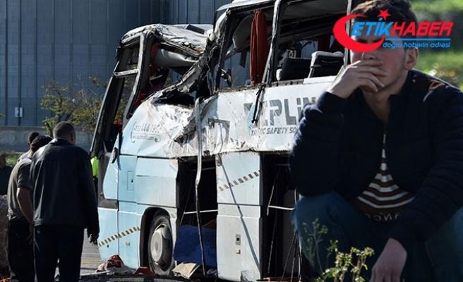 Konya'da servis otobüsü ile TIR çarpıştı: 1 ölü, 24 yaralı