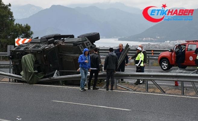 Marmaris'te zırhlı araç kaza yaptı, 3 özel harekat polisi yaralandı