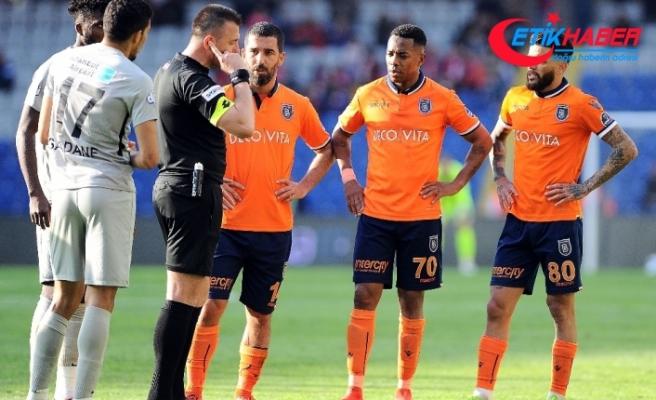 Medipol Başakşehir, Aziz Behich'le anlaştı