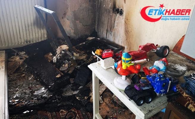 Sancaktepe'de 2 kardeşin kaldığı evde yangın
