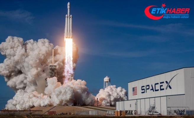 SpaceX, kargo mekiğinin fırlatılışını erteledi