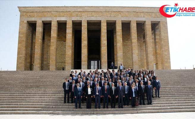 Vakıflar Genel Müdürlüğü heyetinden Anıtkabir'e ziyaret