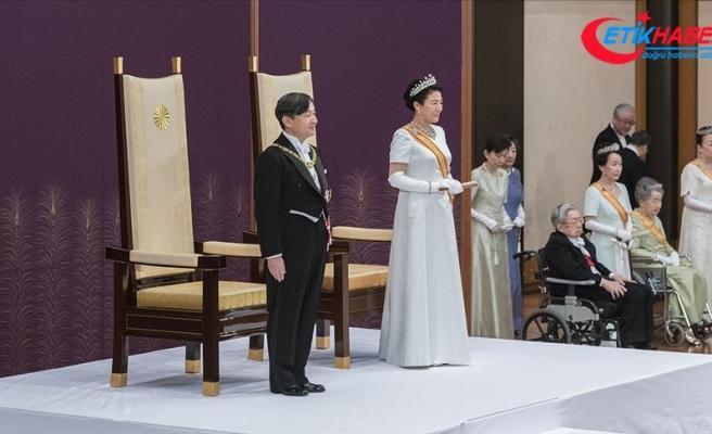 Yeni Japon imparatoru Naruhito törenle görevi devraldı