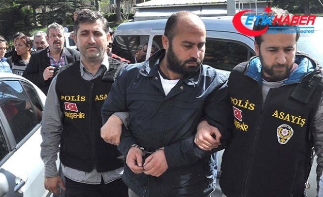 4 akademisyenin katili, ilk duruşmada başını duvara vurup hakaretler yağdırdı