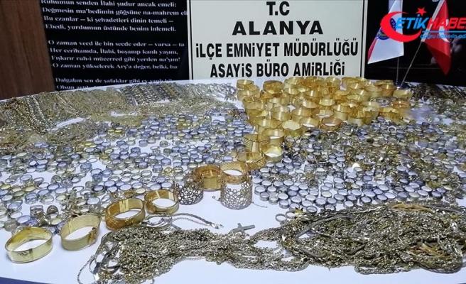 Antalya'da 20 kilo 318 gram sahte altın ele geçirildi
