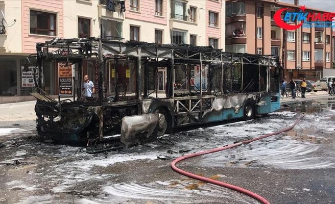 Başkentte seyir halindeki özel halk otobüsünde yangın