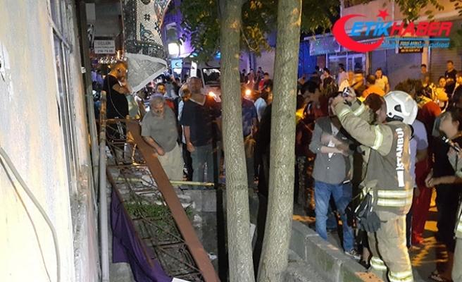 Beyoğlu'nda balkon çöktü: 3'ü çocuk, 5 yaralı