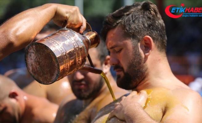 Kırkpınar'da pehlivanlar 3 ton zeytinyağı ile yağlanacak