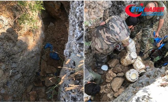 Şırnak'ta teröristlere ait yaşam malzemesi ele geçirildi