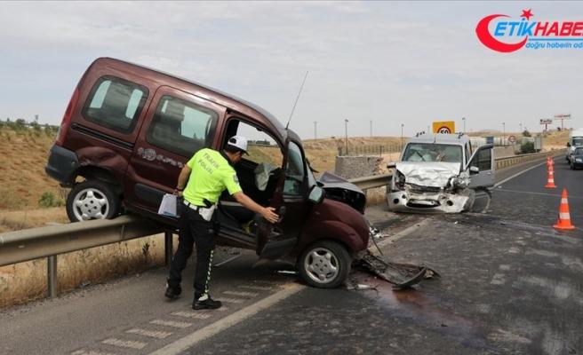 Trafik kazalarında 52 kişi hayatını kaybetti