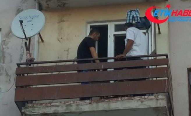 4. kattan düşen çocuk çamaşır telleri sayesinde ölümden kurtuldu