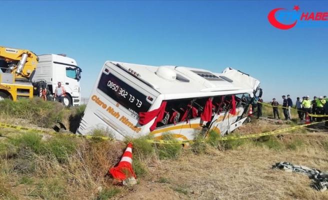 Aksaray'da yolcu otobüsü şarampole devrildi: 41 yaralı