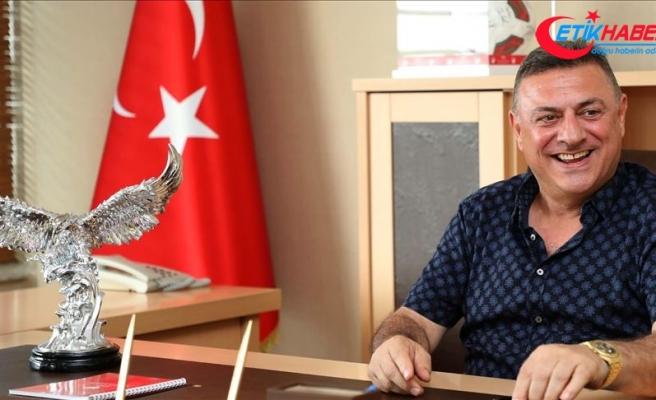Çaykur Rizespor Kulübü Başkanı Kartal: Vedat Muriç transferi askıya alınmıştır