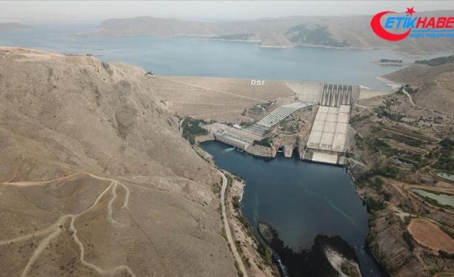 Elektrikte yılın ilk yarısına 'yerli ve yenilenebilir' damgası