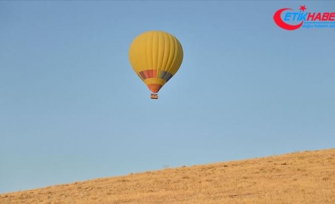 Mardin'de ilk sıcak hava balonu havalandı