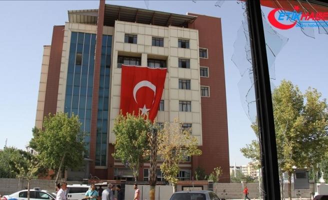 Polis merkezine bombalı araçla saldıran teröriste ceza yağdı