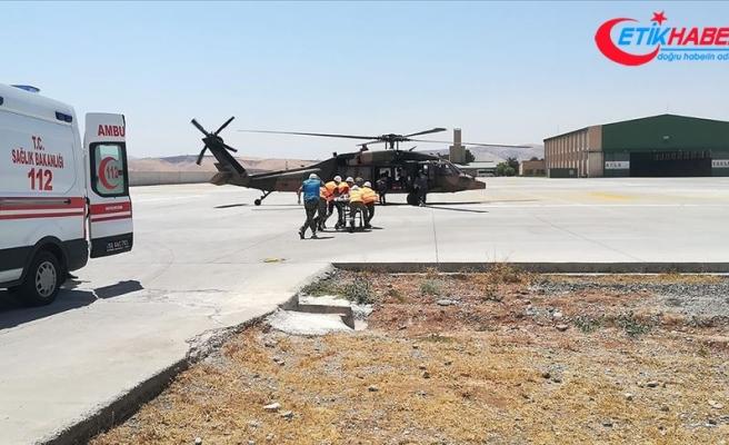 Askeri helikopter yüksekten düşen çocuk için havalandı
