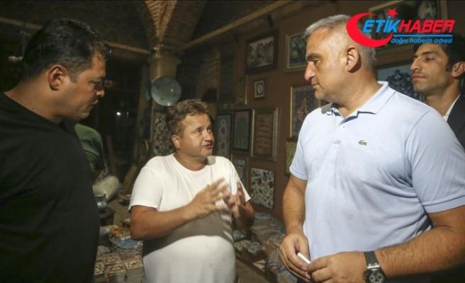 Bakan Ersoy, Kapalıçarşı'da incelemede bulundu