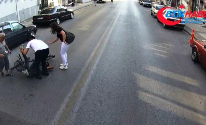 Duyarlı şoförün alkışlanacak hareketi güvenlik kameralarına yansıdı