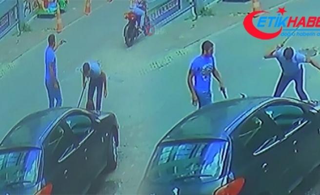 Esenyurt'ta sokak ortasında silahlı kavga