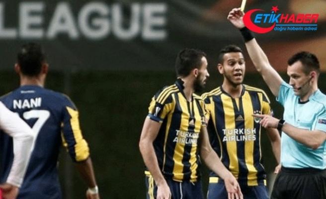 Fenerbahçe'yi doğrayan hakemi tekme tokat dövdüler!