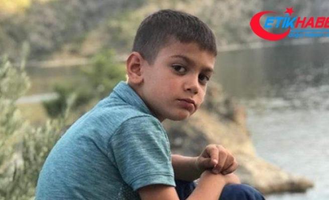 Halk otobüsünün çarptığı küçük çocuk hayatını kaybetti
