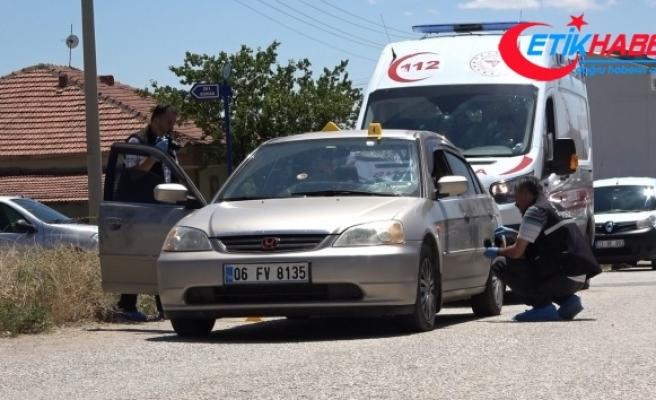 Otomobilin içinde tabancayla vurulan şahıs hayatını kaybetti