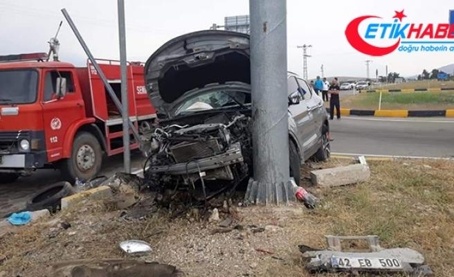 Otomobille cipin çarpıştığı kazada araçlar hurdaya döndü: 8 yaralı