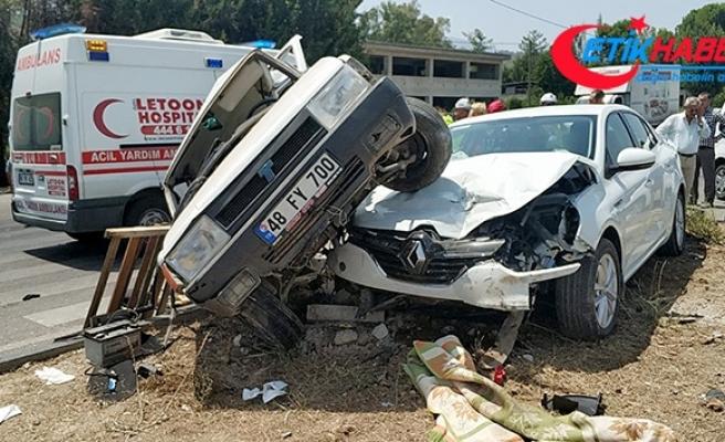 Seydikemer trafik kazası: 4'ü çocuk 6 yaralı