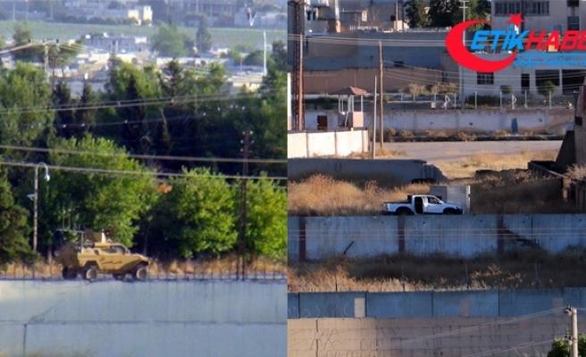 Türk askerini gören teröristler apar topar uzaklaştı