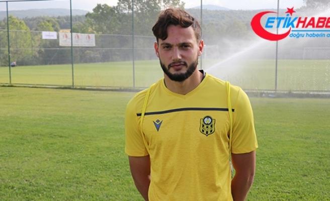 Yeni Malatyaspor'da genç futbolcu Özer Özdemir, Sergen Yalçın'ın gözüne girmeyi başardı